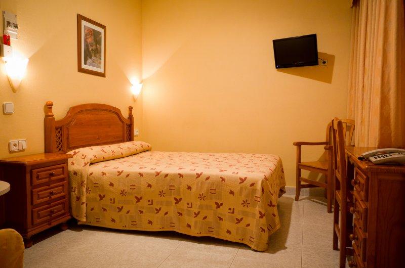 Hostal Toledo - Habitación